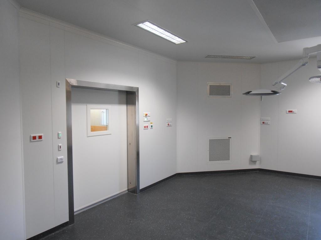 Porte coulissante pour salle propre en système monobloc
