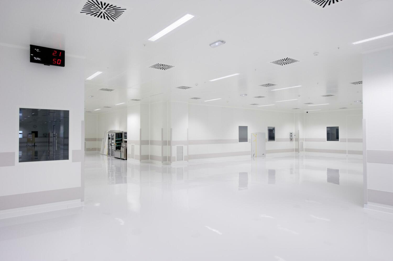 Cleanroom manufacturer