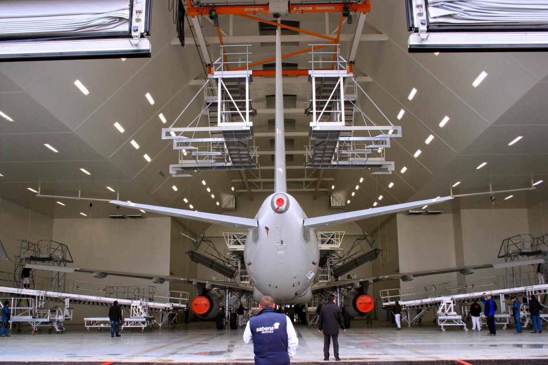 Salles de peinture à grande échelle pour avions